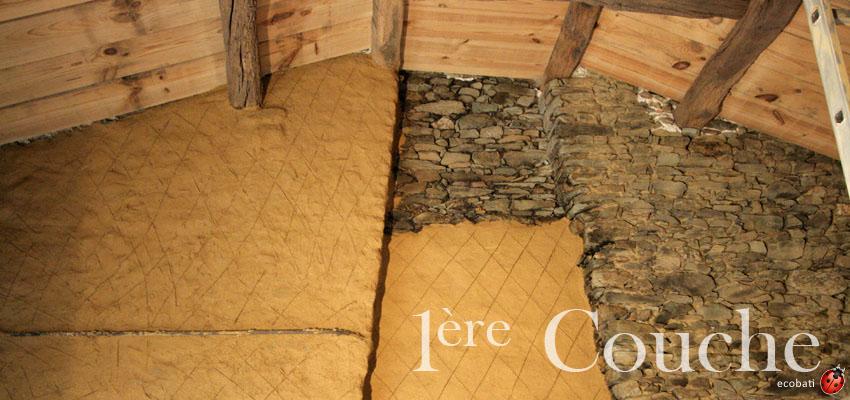 corps d'enduits de torchis argilus sur un mur en pierre