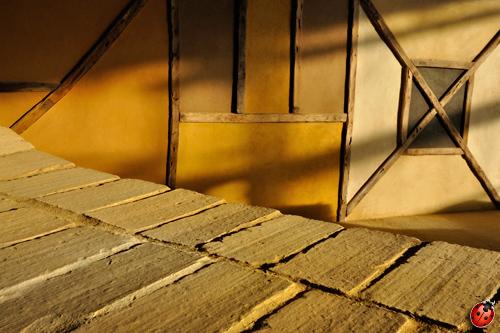 colombage décoré avec une palette d'enduit de finition argilus