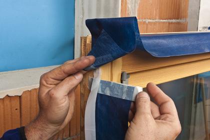 CONTEGA IQ  Bande d'étanchéité hygrovariable pour le raccord étanche à l'air de la menuiserie dans les constructions à ossature bois et travaux de maçonnerie.